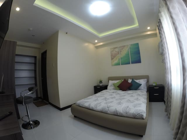 1st  Queen size bedroom with own bathroom and hot shower