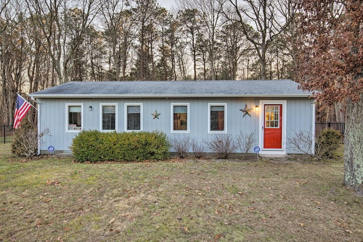 NEW! East Quogue Cottage w/ Sunroom, Steps to Bay!
