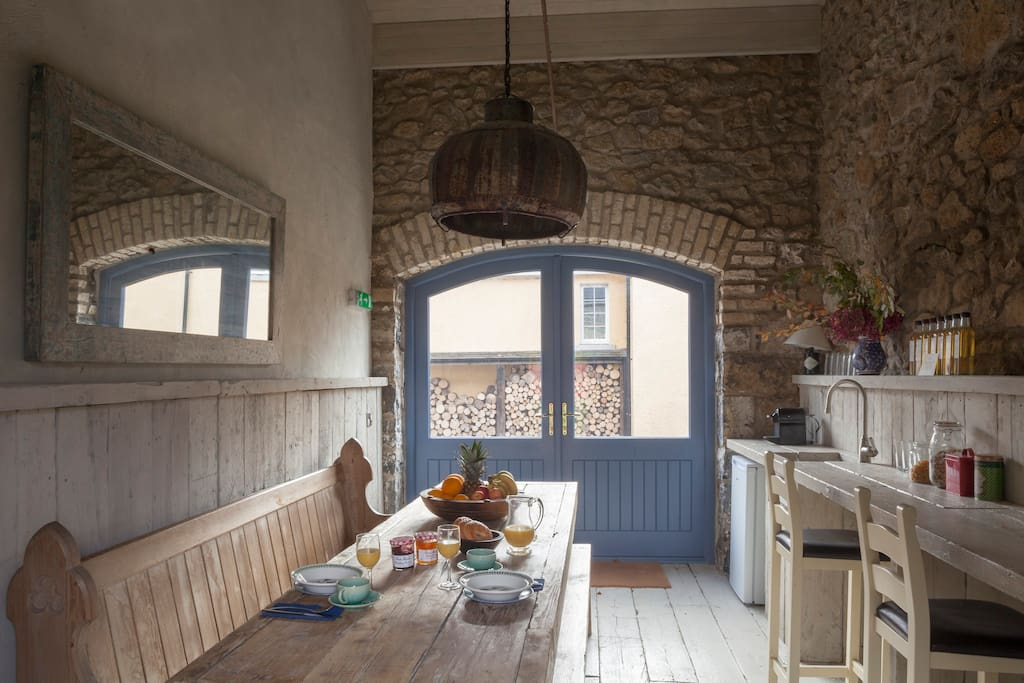 The rustic breakfast room.