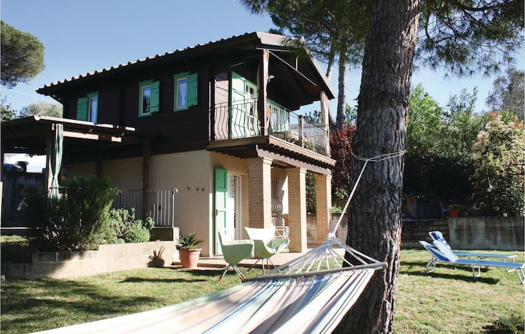 Beautiful home in Soiana -PI- with WiFi and 2 Bedrooms