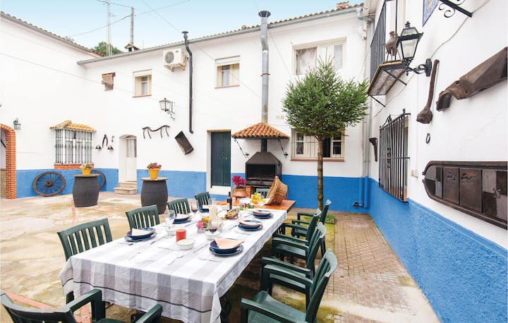 Beautiful home in El Bosque with WiFi and 2 Bedrooms