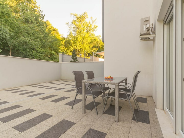 Apartment for 2+2 persons with WLAN R75579