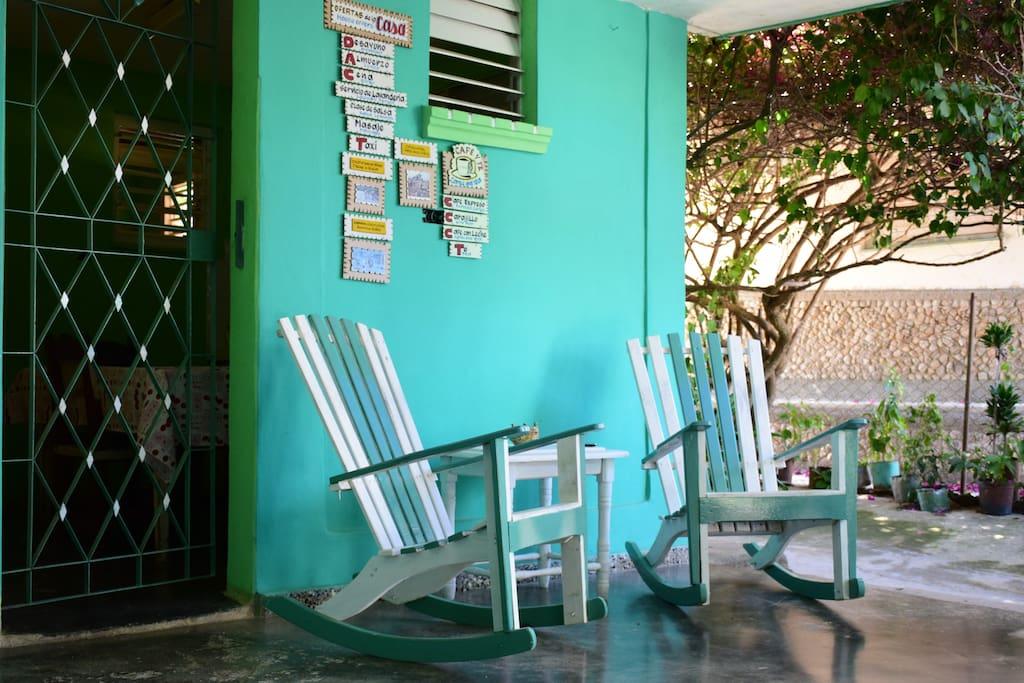 Nuestros artesanales sillones de los que podra disfrutar