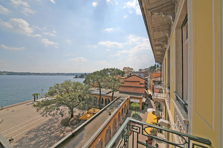 Loft at Gardone Riviera Lakefront 3