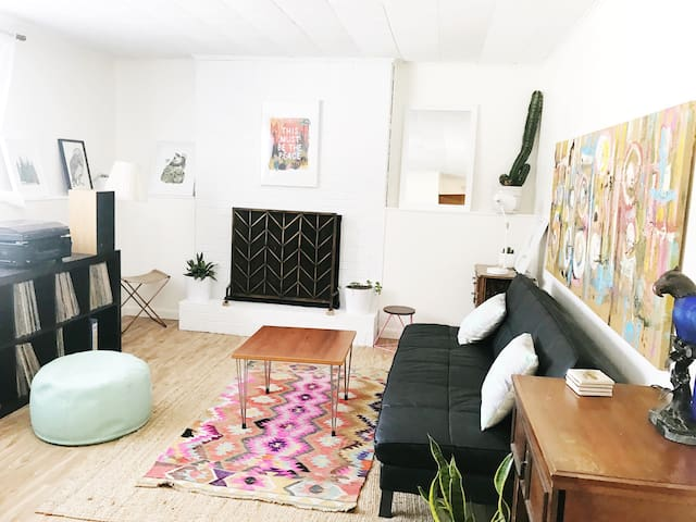 Cute Cozy 2BR Apt by Malletts Bay