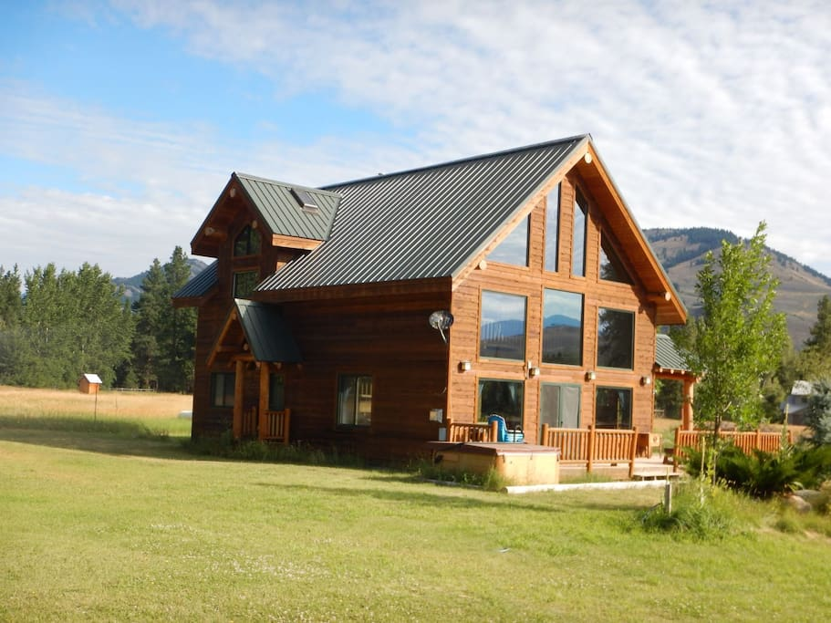 Lone wolf cabin at wolfridge resort cabins for rent in for Winthrop cabin rentals