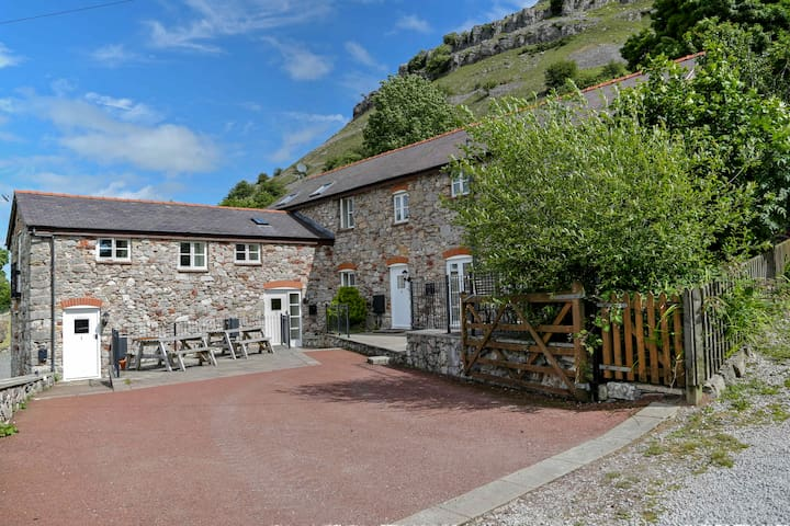 The 3 Bedroom Cottage @ Panorama Cottages - Llangollen - Casa