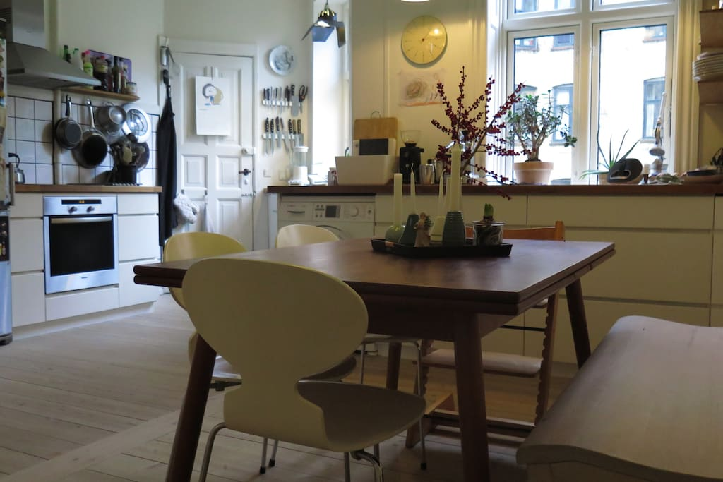 Kitchen dinningtable