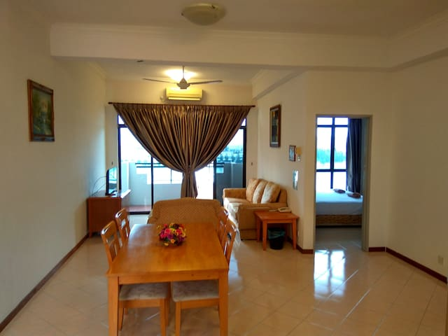 Marina Cove Resort Homestay Retreat @lumut