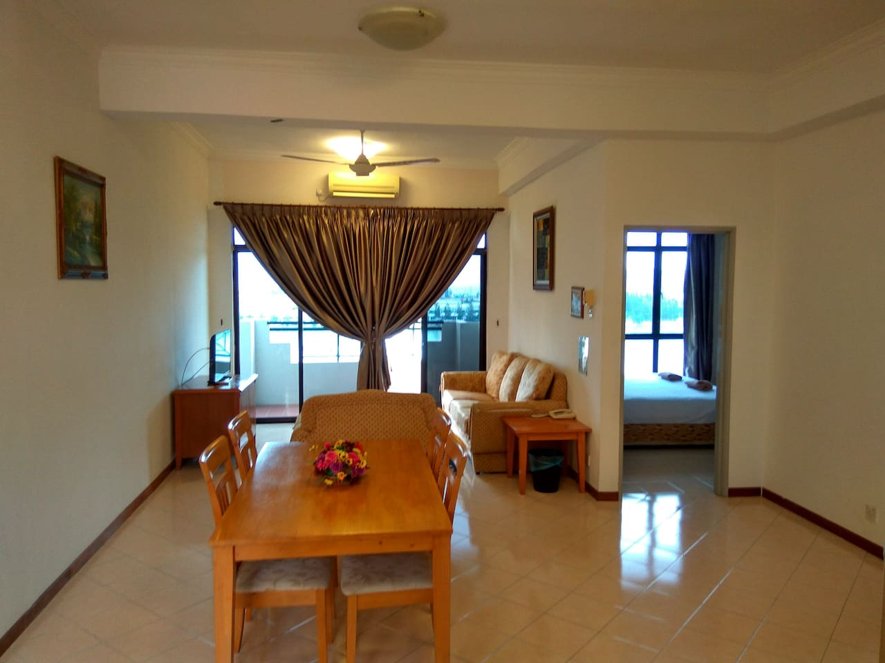 Living hall with LCD TV and amazing balcony view