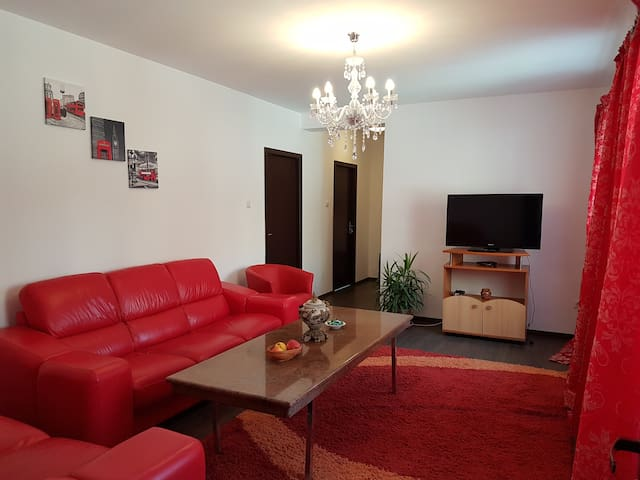 Rent Holding - Marble - ultracentral apt in Iasi