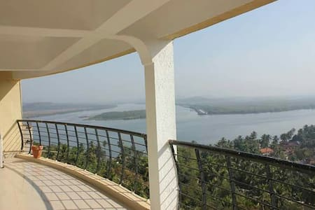3BD Apartment with a Panoramic view - Ribandar - Appartement