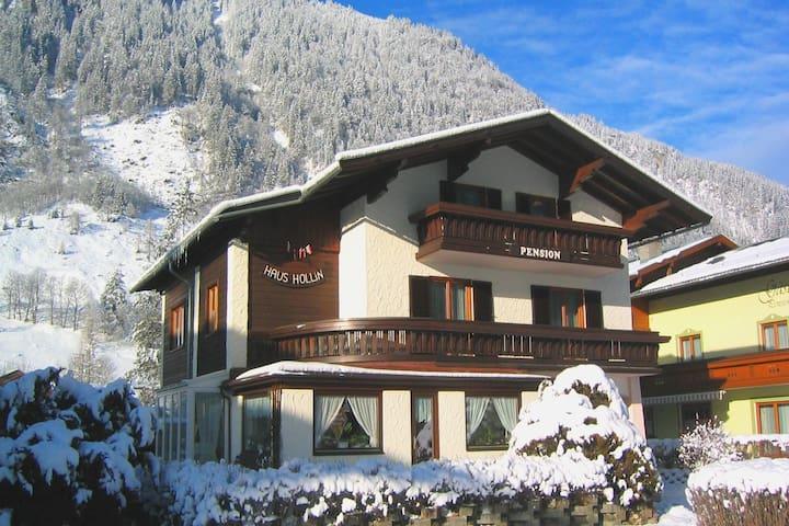 Holiday Home in Salzburg near Ski Area with Balcony & Parking