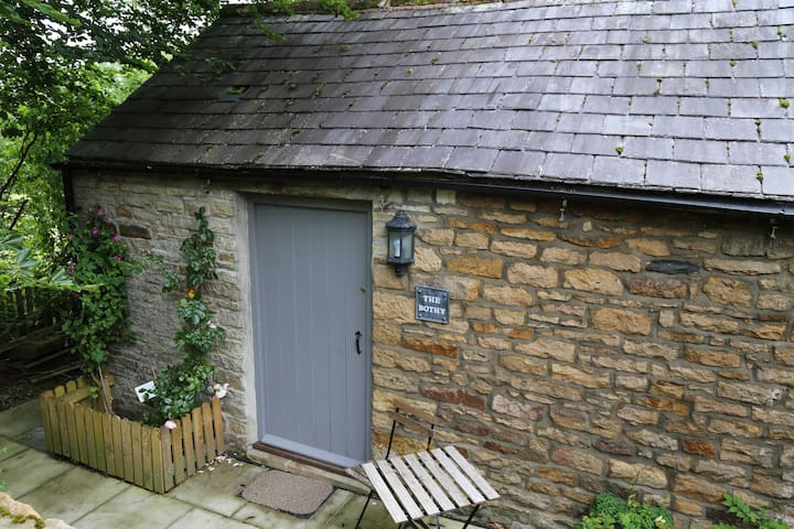 Self contained small stone cottage - Redpath - Huis