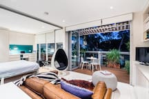 Open the full Bifold doors for indoor/outdoor living, or close the doors snuggle up on the leather sofa and watch Netflix...