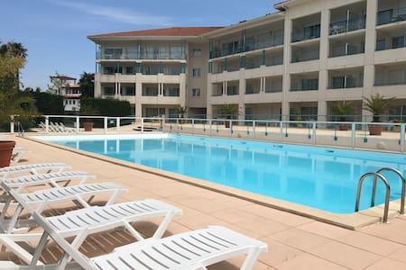 Appartement dans résidence avec piscine pour 4pers