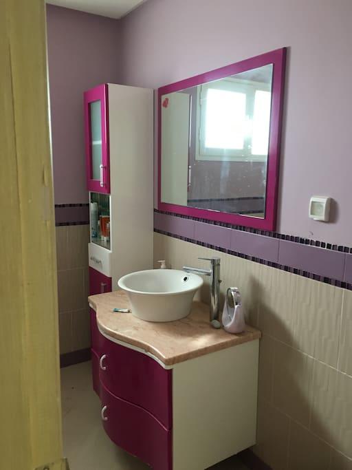 salle d'eau privative  avec douche