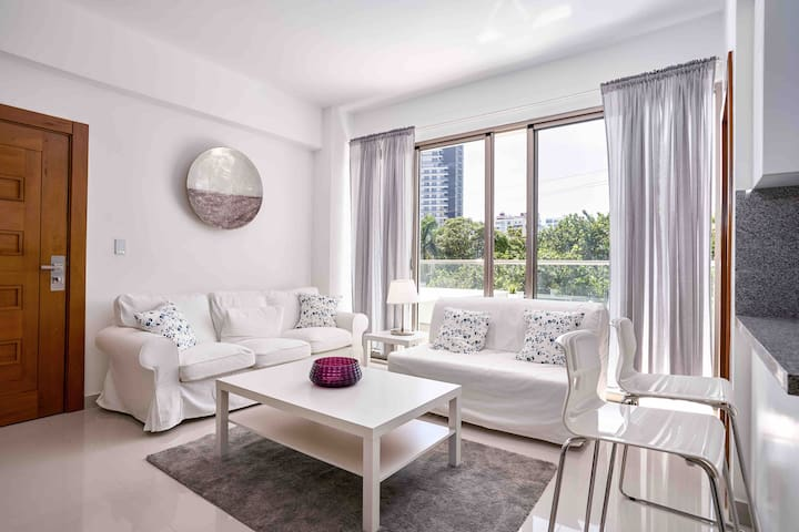 Cozy Living Room, Great 2-Seats Breakfast Bar and Balcony, Sofa Bed, A/C