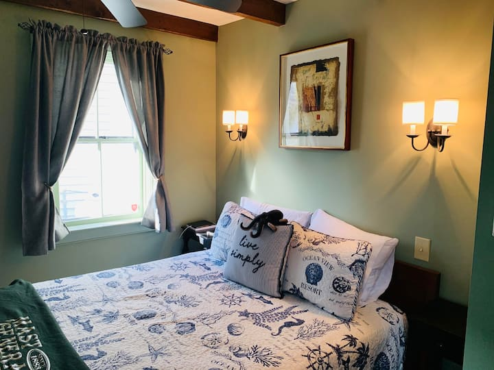 The Heart of Provincetown - Scott House Room 2