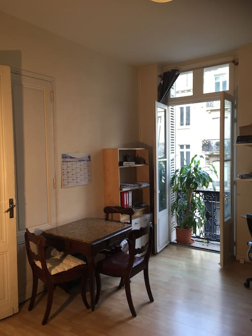 T2 centre ville 50m2 2 balcons proche tram appartements for Appartement a louer bordeaux centre ville