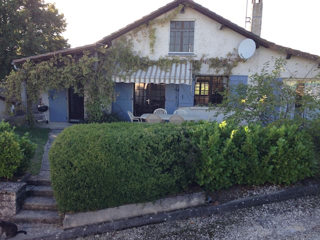 French Farmhouse with heated pool - Grand-Brassac - Ev