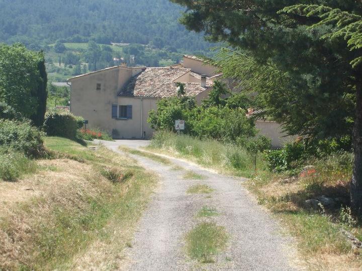 Maison de hameau au cœur du Luberon