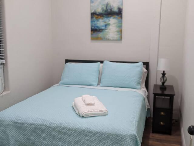 Bedroom 3.. Queen Bed