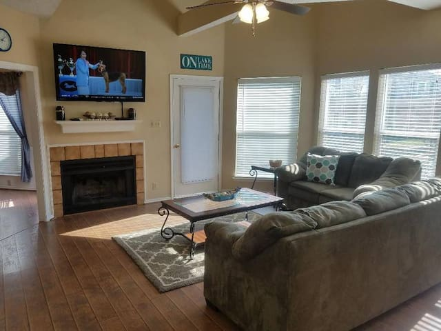 Beautiful Lake Texoma Two Story Condo