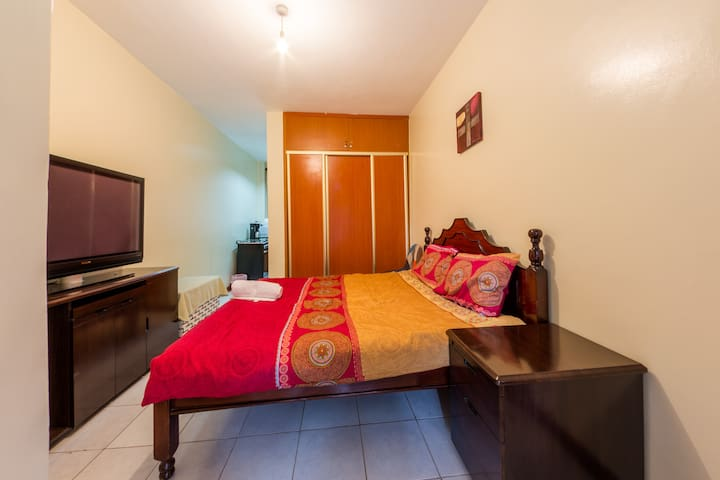 Private Ensuite Studio with Balcony in Kileleshwa