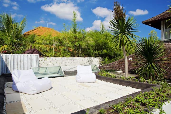 Ocean Star #1 Villa 3 Bedroom Kayu Aya 150, KuDeTa - Kuta - Villa