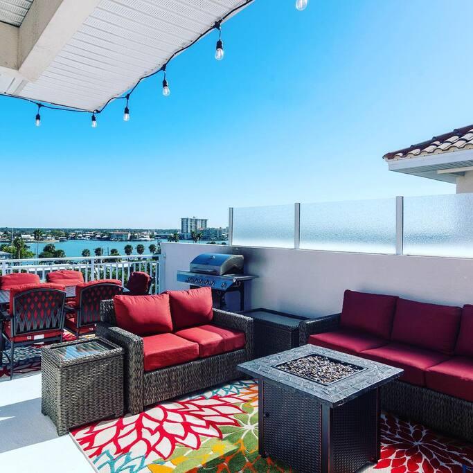 Private Lounge Area - Level 5