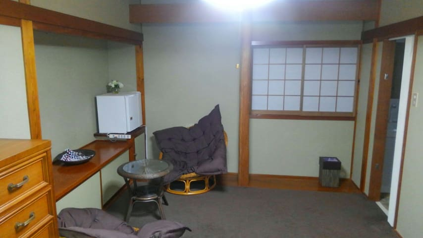 2room in guesthouse  in onsen resort 2.2