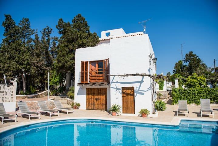 Beautiful rustic Spanish villa with private pool - Eivissa - Villa