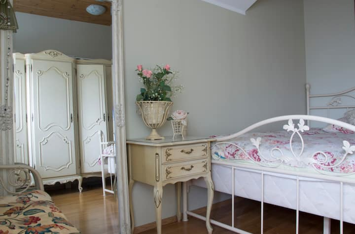 Kuressaare Romantic Apartment