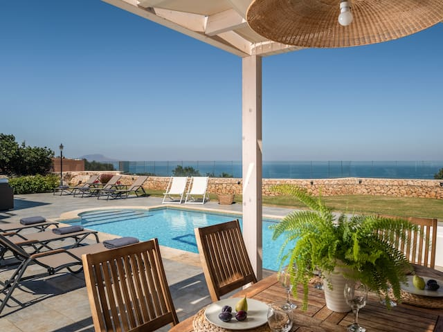 Great sea views from the pool terrace!