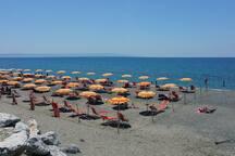 Spiaggia attrezzata a 10 km circa