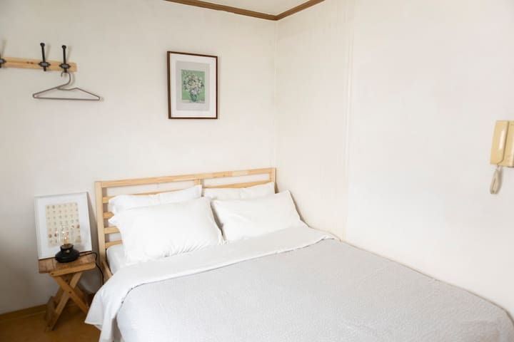 STUDIO IN GANGNAM NEAR COEX/SAMSUNG MEDICAL CENTER