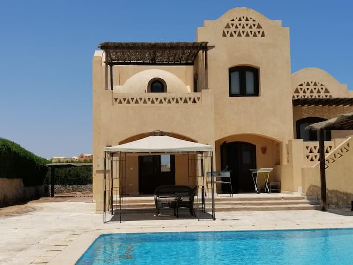 3 bedrooms villa private pool& lagoon view GRV137