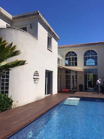 Superbe villa dans la campagne d'Allauch - Allauch - House