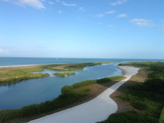 Beachfront condo,stunning views,wraparound balcony - Marco Island - Flat