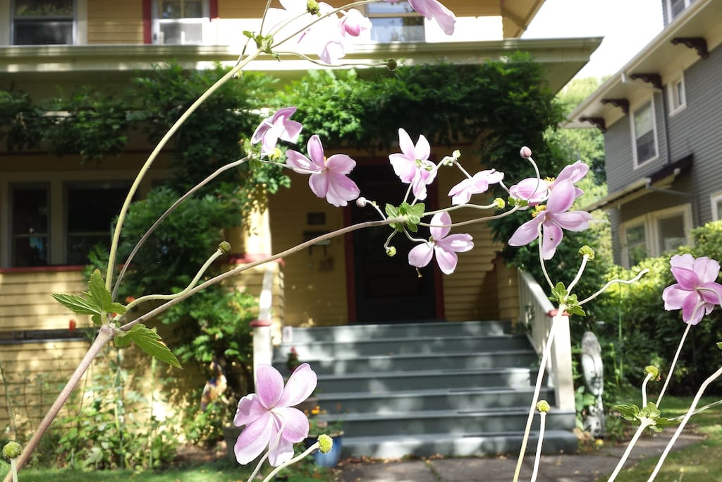 Fall Flowers at The Slater House PDX