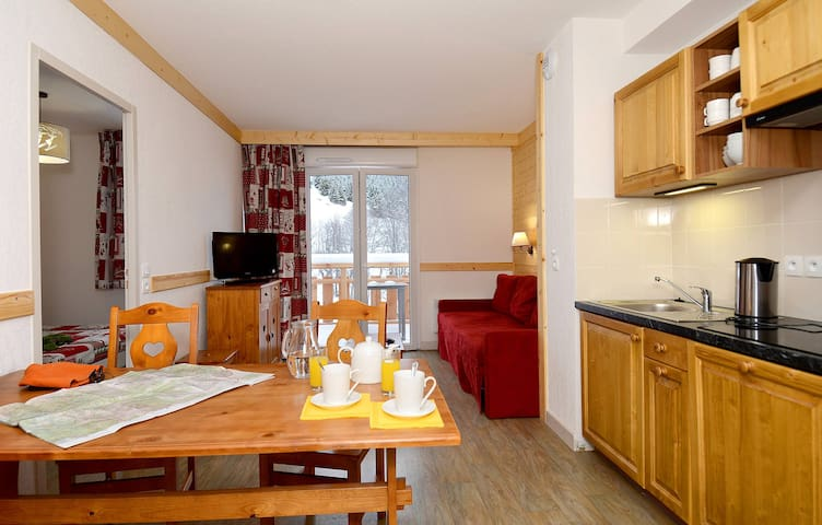 Large 2 Bedroom Mountain Apartment
