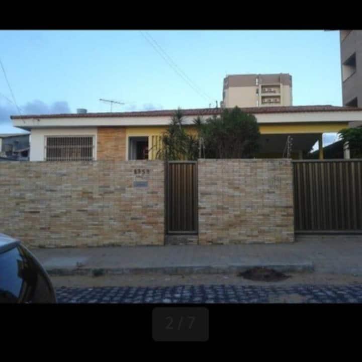 Casa Mobiliada Para Alugar em Maceió-AL