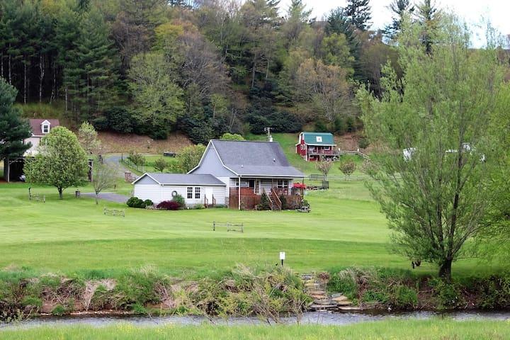 Green Meadows River Cabin