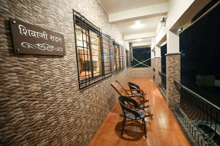 Luxurious Property in Panchgani and Mahabaleshwar.