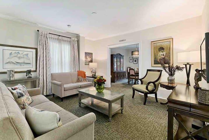 Exclusive Main Floor Heritage Suite Century Home