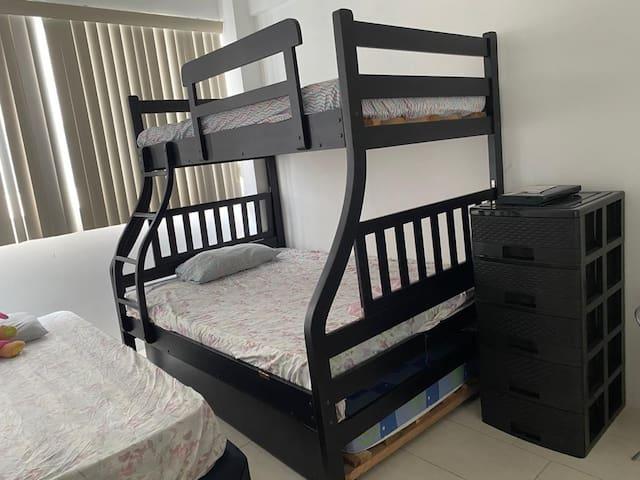 Dormitorio 3 con litera y cama individual