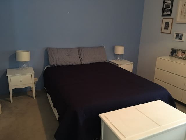 Affordable double room close to the Airport