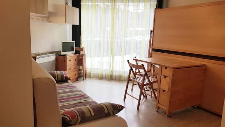 Studio 21m2 en RDC avec terrasse, wifi gratuit.