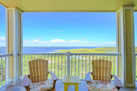 Fall Specials Available! Spectacular bay views!
